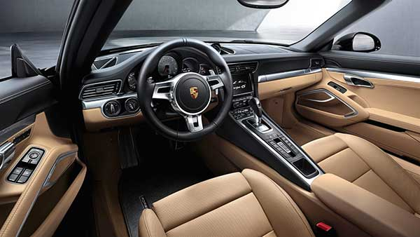 2015 Porsche 911 Carrera Interior