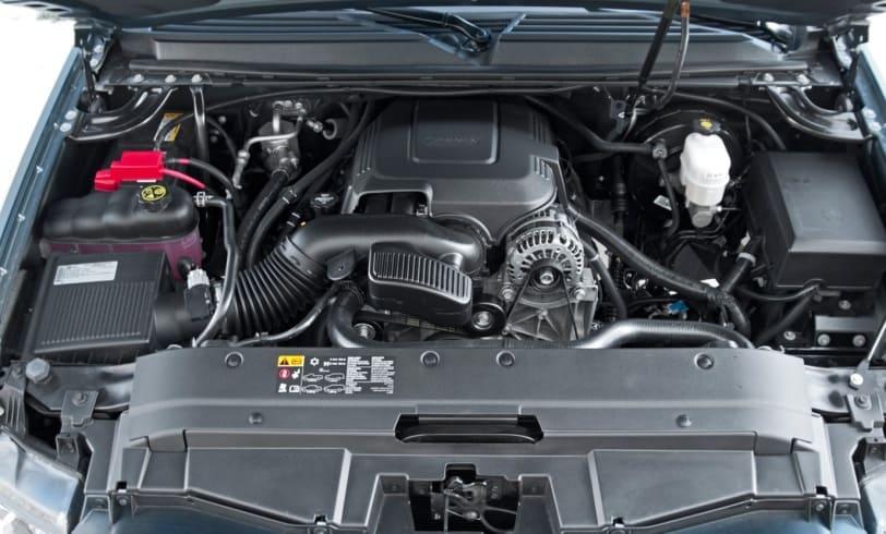 2015 Chevrolet Avalanche Hood