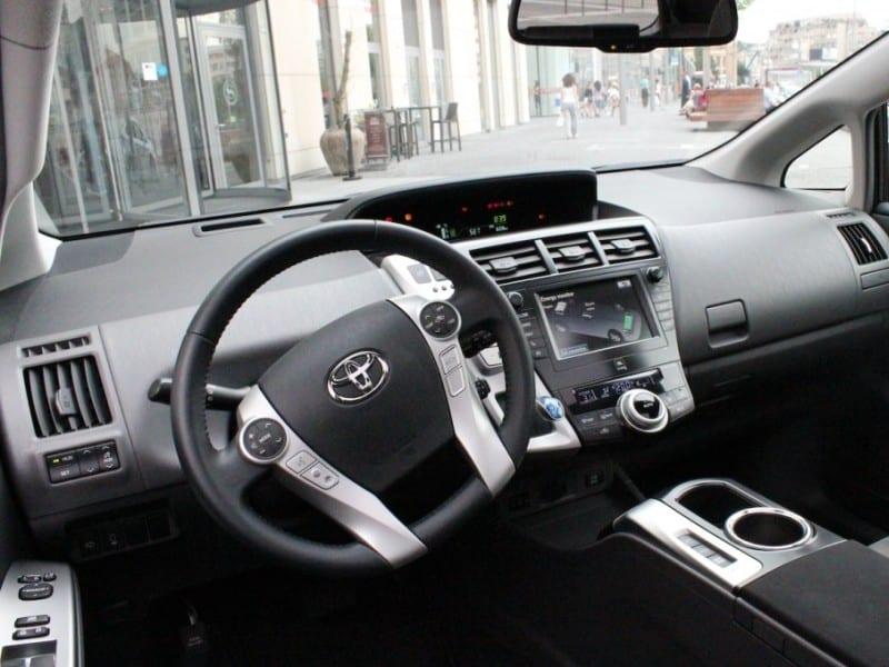 Toyota Prius V FeaturesToyota Prius V Features