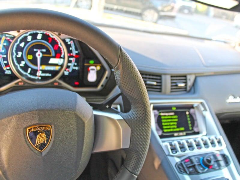 2015 Lamborghini Aventador Features