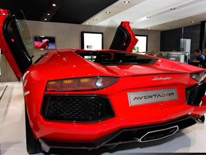 2015 Lamborghini Aventador Safety